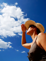 sun-woman-hat-197x260